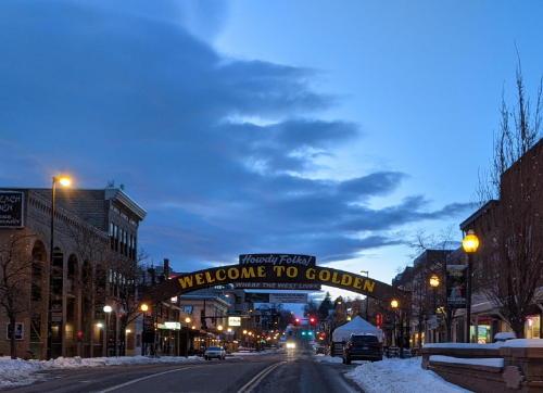 Dawn on Washington Avenue, February 2021